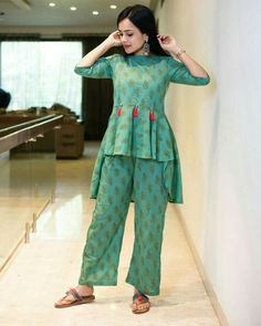 So cute detailing with button- Tassels Pakistani Fashion Casual, Pakistani Dresses Casual, Pakistani Dress Design, Stylish Dresses For Girls, Simple Dresses, Casual Dresses, Designs For Dresses, Dress Neck Designs, Frock Design