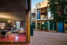 Casa com arquitetura brutalista e decoração moderna em SP   CASA CLAUDIA
