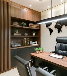 43 Extraordinary small home office design ideas with traditional themesCool 43 extraordinary little home office design ideas with traditional themes.Home office design ideas - whether you have your own home office room or… - Trend Corporate Office Design, Office Cabin Design, Law Office Decor, Small Office Design, Office Furniture Design, Office Interior Design, Office Interiors, Home Interior, Office Designs