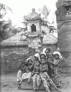 Bali Best Of Bali, Bali Lombok, The Lost World, East Indies, Beach Road, Architecture Old, Angkor, Balinese, Vintage Pictures
