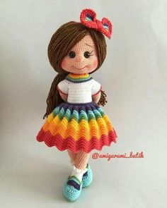 Gorgeous Amigurumi Dolls Love this sweet travelling doll crochet amigurumi pattern!As you know, I love amigurumi! And I'm so impressed by the lovely amigurumi doll patterns that are a Yazıyı Oku… Make your child your own toy … my the is Doll Dress Crochet Doll Pattern, Crochet Toys Patterns, Amigurumi Patterns, Stuffed Toys Patterns, Doll Patterns, Crochet Doll Clothes, Knitted Dolls, Crochet Dolls, Popular Crochet