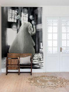 En magisk elefant som förgyller ditt rum med poetisk harmoni.