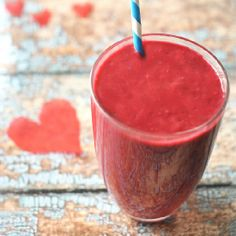 Ruby Red Smoothie - a healthy Valentine's Day drink!