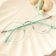 Vintage candy color round glasses + glasses case Source by Glasses Frames Trendy, Fake Glasses, Cool Glasses, Glasses Case, Circle Glasses Frames, Vintage Glasses Frames, Vintage Frames, Round Lens Sunglasses, Cute Sunglasses