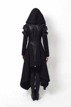 This is an article about dystopian fashion, or post-apocalyptic fashion, and the prominent dystopian designers. It's related to alternative gothic fashion. Mode Steampunk, Steampunk Fashion, Dark Fashion, Gothic Fashion, Style Fashion, Fashion Ideas, Vampire Fashion, Urban Fashion, Trendy Fashion