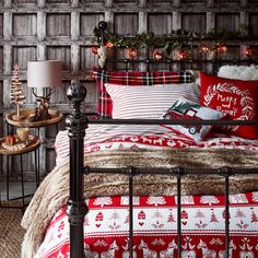 The Ugly Side of Simple Farmhouse Christmas Bedroom Decor - decoruntold Bedroom Decor, Christmas Bedding, Christmas Bedding Set, Farmhouse Christmas, Cozy Christmas, Christmas Decorations Bedroom, Christmas Bedroom, Cosy Christmas, Christmas Room