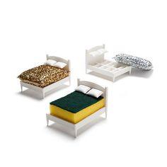 一休み一休み…スポンジを乗せると「ベッド」になるホルダーが可愛いい!
