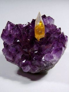 Citrine on Amethyst - a real citrine. NOT a commercial citrine which is a amethyst put in high heat, to turn it into citrine. Citrine Crystal, Crystal Magic, Calcite Crystal, Amethyst Gem, Amethyst Cluster, Crystal Cluster, Opal, Minerals And Gemstones, Rocks And Minerals