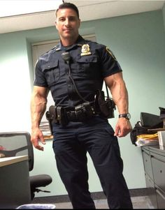Uniform hunk loves to fuck tight ass