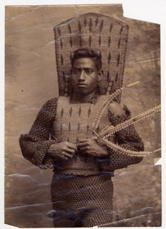 An Ethnographic Analysis of a Kiribati Shark-Toothed Sword - Blackboard Collaborate Support - UCL Wiki Military Costumes, Gelatin Silver Print, Native American Tribes, King Of Kings, Tribal Art, British Museum, Historical Photos, Archaeology, Africa