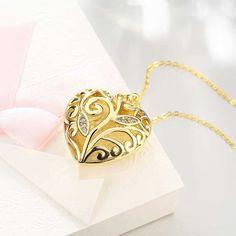 """Wundervolle Herz Halskette - Real Gold 24k plated, Normalpreis 28,50. Durch unsere """"I love you"""" Aktion kann man dieses Stück schon um 6,90 Euro bekommen. Limited Bedingungen beachten! Diese Stücke sind eine kleine Auswahl aus der """"I love you"""" Aktion. Engagement Jewelry, Austrian Crystal, Filigree, 18k Gold, Swarovski Crystals, Plating, Gold Necklace, Silver, Crafts"""