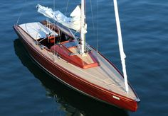 """Fesch mit Liegewiese wie bei den Italienern, die """"Lake 35"""". © Bootswerft Glas"""
