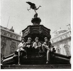 The Pink Floyd in Piccadilly Circus. 1967