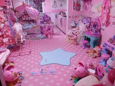 Pretty much what my room looks like  ちゅん(はあと (chunchunxxx)