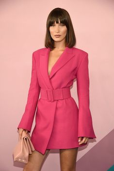 Bella Hadid Is Bangin' at CFDA Awards with Gigi Hadid & Hailey Baldwin!: Photo Bella Hadid rocks a bob with bangs while wearing a hot pink outfit at the 2017 CFDA Fashion Awards held at the Hammerstein Ballroom on Monday (June in New York… Fashion Bella, Look Fashion, High Fashion, Cheap Fashion, Look Blazer, Blazer Dress, Blazer Jacket, Dress Outfits, Fashion Outfits