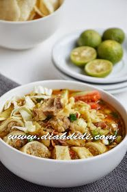 Diah Didi's Kitchen: Soto Mie Easy Cooking, Cooking Recipes, Kitchen Recipes, Indonesian Cuisine, Indonesian Recipes, Diah Didi Kitchen, Asian Recipes, Ethnic Recipes, Malaysian Food