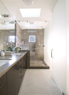 What's trending in bathroom remodels? Houzz recently released its 2014 Winter Bathroom Trends Study showing the top bathroom remodel preferences of more than home owners in the U. Bathroom Renos, Bathroom Layout, Master Bathroom, Bathroom Ideas, Bathroom Remodeling, Narrow Bathroom, Bath Ideas, Bathroom Designs, Basement Inspiration