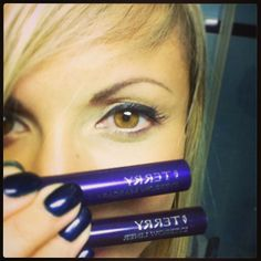 Sourcil parfaitement redessiné avec #ByTerry #eyebrowliner #brown #eyebrowmascara #sheer #auburn #TheBeautyst #sourcils #eyebrow #makeup #brow #maquillage #feutre #mascara #sculpter #dessiner by @_bbgaga