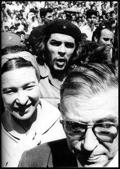 Jean-Paul Sartre y Simone de Beauvoir con el Che Guevara en Cuba, 1960,