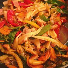 Pour ce soir, sauté de légumes au tofu #food #instafood #foodporn #sauté #legumes #tofu #vegetables #asianfood #healthy #healthyfood #vegan #veganfood #homemade #yummy #goodtime