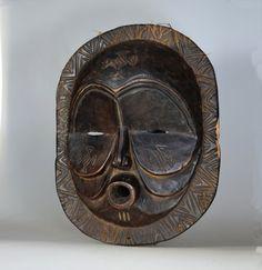 Makishi Sachihongo Mask - MBUNDA - Zambia, Kabulamena Village, NW Province Masks Art, Tribal Art, African Art, Lion Sculpture, Auction, Skull, Statue, Vintage, Google