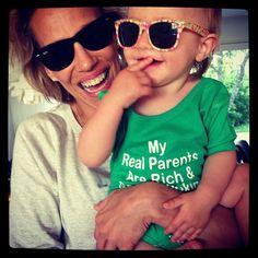 Ray Ban Wayfarer, Sunglasses Women, Ray Bans, Parents, Instagram Posts, Fashion, Dads, Moda, Fashion Styles