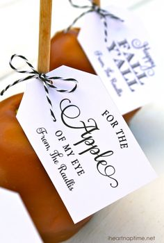 caramel apple and free printable tags.