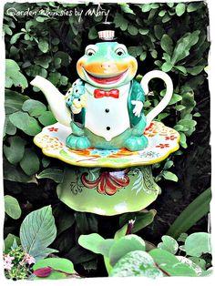 Tuxedo Frog Teapot Garden Totem Stake