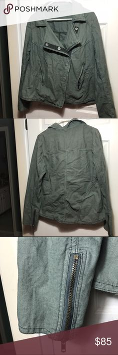 Free people jacket Like new Free people linen jacket. Green/gray color. First picture shows the color the best. Size large. Love the zippers on the sleeves and the buttons are super cute! 55% linen 45% cotton Free People Jackets & Coats