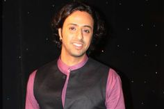 Rajasthan Has very good talents and one of them is fabulous and unbelievable performer is Salim Merchant is here. He is very talented among singers.