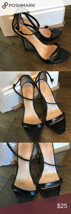 Zara black strapy sandals Sz.40 Worn twice. In great condition Zara Shoes Sandals