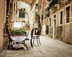 Photograph of a Venice food cart - cafe restaurant eating cute whimsical quaint Italian cuisine - Spaghetti Pizza Snack. $30.00, via Etsy.