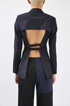 Tailored blazer with open back with strap detail fastening, Made in Britain. by Boutique. Blazer Fashion, Fashion Outfits, Womens Fashion, Fashion Trends, Deconstruction Fashion, Tailored Jacket, Blazer Jacket, Fashion Designer, Inspiration Mode