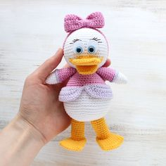 "Let's crochet a pretty Webby Duck, the character of popular cartoon ""Duck Tales"". Use this free amigurumi pattern!"