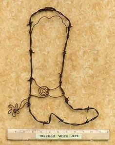 Cowboy Boot by Barbed Wire Art Western Crafts, Rustic Crafts, Western Decor, Western Art, Texas Western, Barb Wire Crafts, Metal Crafts, Horseshoe Crafts, Horseshoe Art