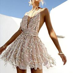 Hatherina Halter Neck Backless Tie Up Sequin Chiffon Romper, Hatherina Halter Neck Backless Tie Up Sequin Chiffon Romper Fancy Summer season Outfit Concepts 2018 for Going Out Celebration Clubbing - Sequin Halte. Mini Prom Dresses, Lace Evening Dresses, Sexy Dresses, Short Dresses, Summer Dresses, Vegas Dresses, Outfit Summer, Women's Dresses, Dresses Online