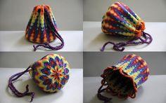 Rainbow pouch reloaded by nimuae macrame Macrame Art, Macrame Projects, Macrame Knots, Macrame Jewelry, Macrame Bracelets, Mochila Crochet, Dice Bag, Pouch Pattern, Micro Macramé