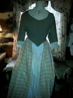 18 th Century Day Dress Scottish Style by SistersCary on Etsy