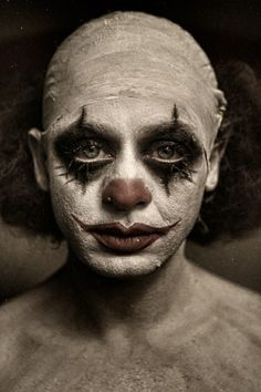 :'(  CLOWN  make up ... it would be interesting to shoot people in their own self-styled clown makeup ... what does it reveal about their inner self?