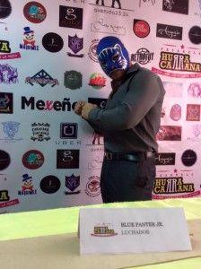 Moda mexicana al puro estilo de la lucha libre