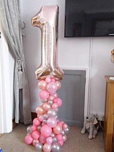organic balloon display for a Birthday. organic balloon display for a Birthday. Balloon Pillars, Balloon Tower, Balloon Stands, Balloon Display, Love Balloon, Balloon Arch, Balloon Ideas, Rose Gold Number Balloons, Number 1 Balloon
