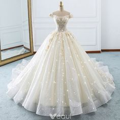 Luxury / Gorgeous Champagne Wedding Dresses 2018 Ball Gown Off-The-Shoulder Short Sleeve Backless Appliques Lace Glitter Tulle Ruffle Cathedral Train Cute Prom Dresses, Wedding Dresses 2018, Luxury Wedding Dress, Quinceanera Dresses, Ball Dresses, Pretty Dresses, Bridal Dresses, Lace Wedding, Wedding Skirt