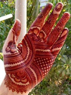 Beautiful Mehndi Design - Browse thousand of beautiful mehndi desings for your hands and feet. Here you will be find best mehndi design for every place and occastion. Quickly save your favorite Mehendi design images and pictures on the HappyShappy app. Indian Mehndi Designs, Latest Bridal Mehndi Designs, Full Hand Mehndi Designs, Stylish Mehndi Designs, Henna Art Designs, Mehndi Designs For Girls, Wedding Mehndi Designs, Beautiful Mehndi Design, Mehndi Designs For Beginners
