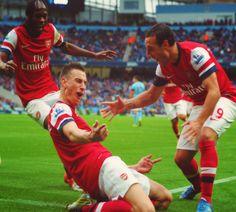 (Sagna, Koscielny, Cazorla) Arsenal FC.