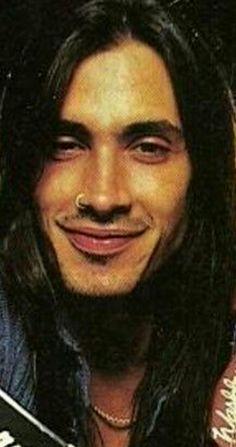 Nuno Bettencourt <3 I love his smile :-)