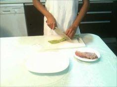 Smażona Wieprzowina z Zieloną Fasolą i Chilli - przepis video przygotowany przez prawdziwą Tajkę. Smakowało? Zostaw nam swój komentarz :)