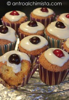 L'Antro dell'Alchimista: Muffins con Latte di Soia e Gocce di Cioccolato Bianco - Muffins with Soymilk and White Chocolate Chips