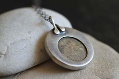 Ancient Token back - White Fossilized Coral with Oxidized Silver - Three Birds on Etsy. Love the bail. Love the bezel. Metal Clay Jewelry, Brass Jewelry, Pendant Jewelry, Jewelry Clasps, Jewelry Sets, Jewelry Making, Jewlery, Fossilized Coral, Precious Metal Clay