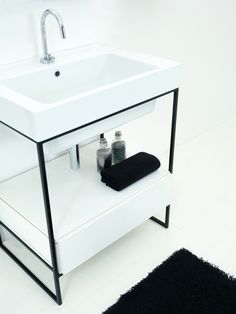 Struttura metallica per lavabo
