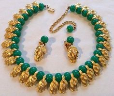 Vintage crown trifari signed jade glass bead jewels of india necklace & earrings Gold Earrings Designs, Gold Jewellery Design, Bead Jewellery, Necklace Designs, Jade Jewelry, Bridal Jewelry, India Jewelry, Ethnic Jewelry, Jade Beads